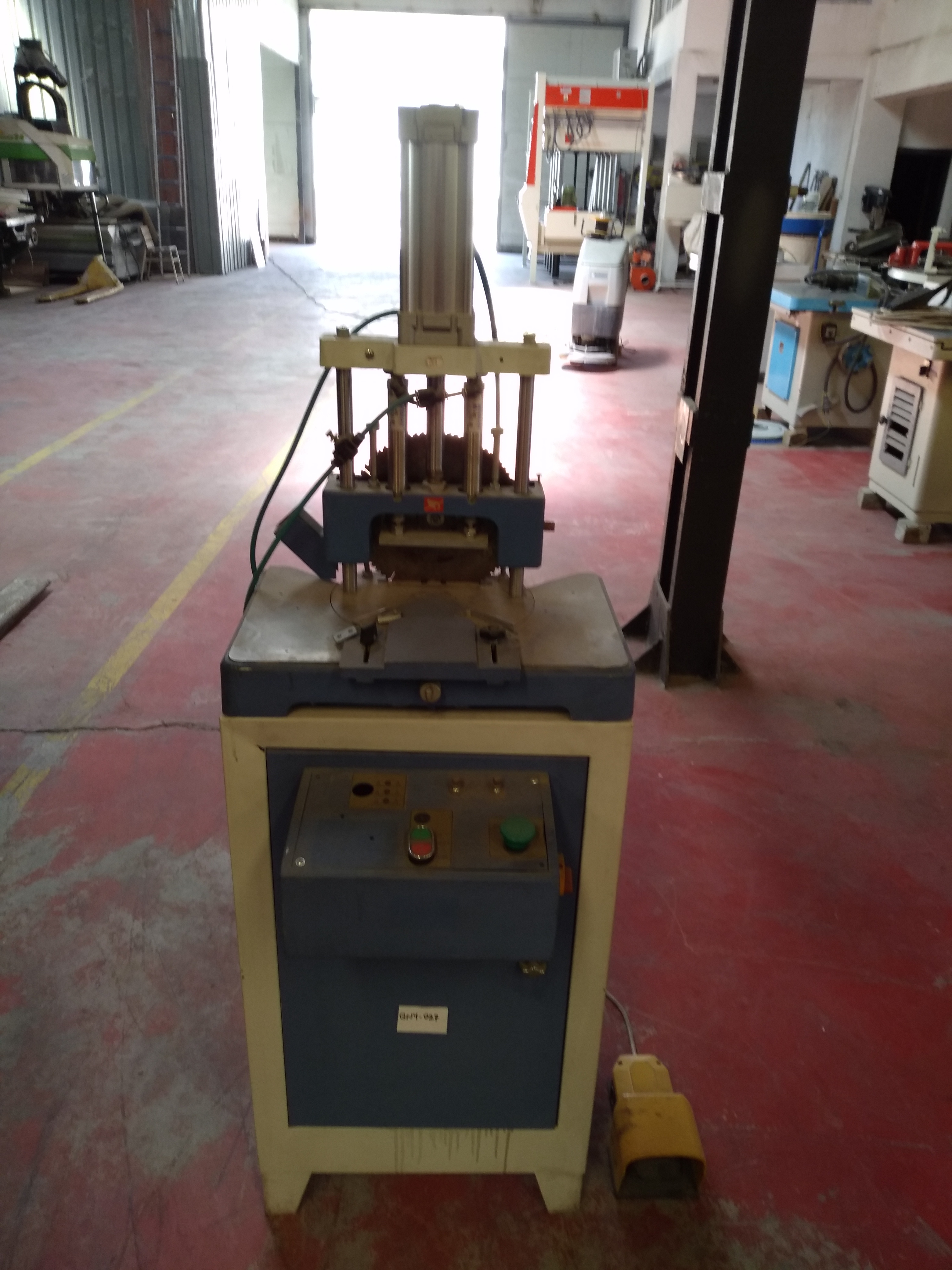 SECOND HAND CUTTING OPEN MILLING MACHINE